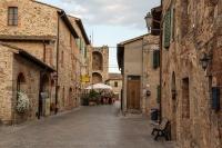 Unterwegs in den Gassen von Monteriggioni